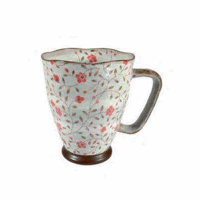 Taza japonesa rosa de cerámica